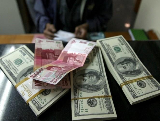 Kurs Rupiah Tertekan ke Level Rp14.250/USD