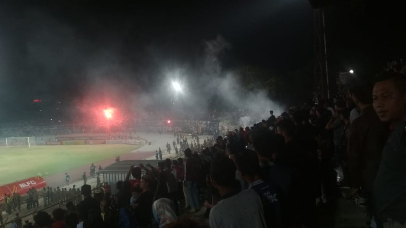 Laga Persib Vs Badak Lampung Berbuntut Sanksi