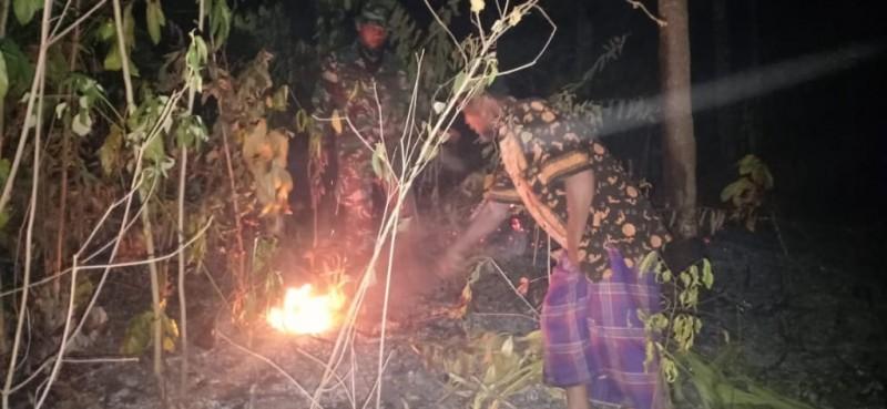 Lahan Perkebunan dan TPU di Mekarmulya Terbakar