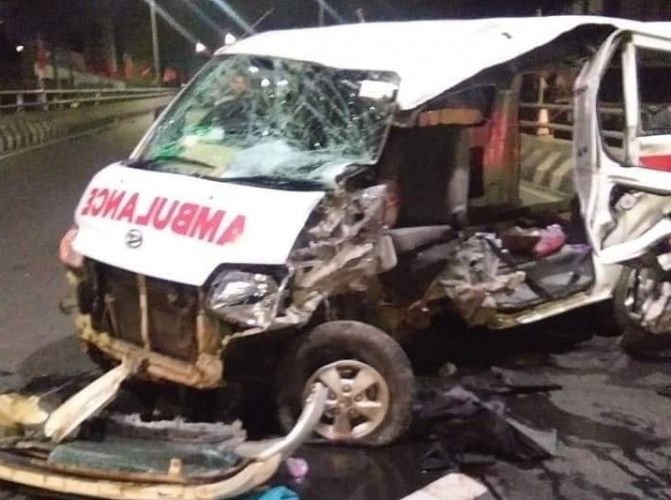 Lakalntas Tunggal, Satu Unit Ambulance Rusak Parah