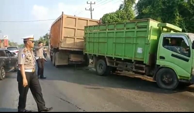 LAMPOST TV: Truk Patah As Picu Kemacetan di Jalinteng