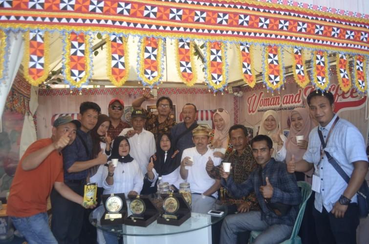Lampung Barat Sabet Juara Umum Festival Kopi Lampung 2019