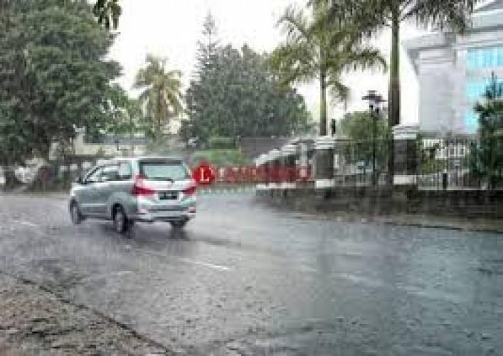 Lampung Diprediksi Hujan Disertai Petir