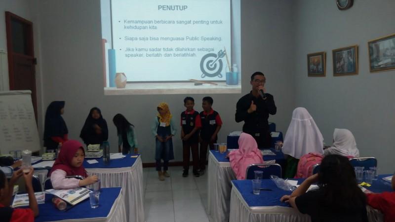 Lampung Post Adakan Kelas Belajar Reporter Cilik Seri 3