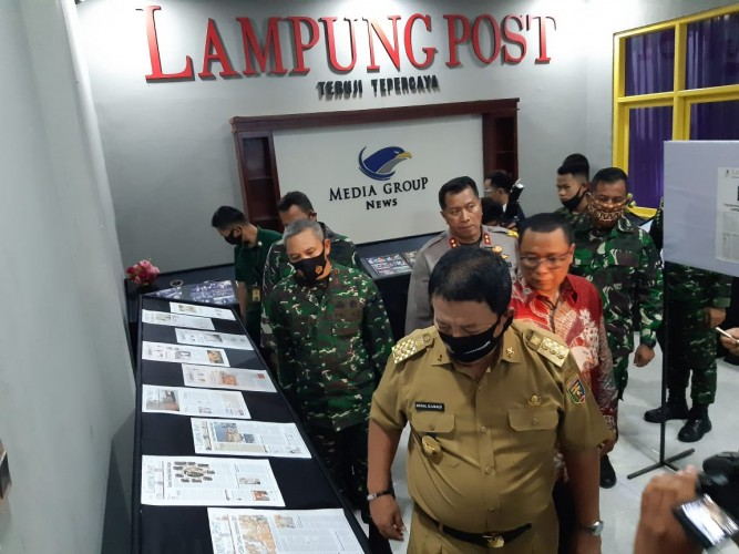 Lampung Post Pamerkan Koran dari Tahun 1974