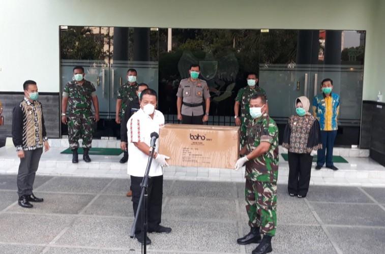 Lampung Terima 2.000 APD Covid-19
