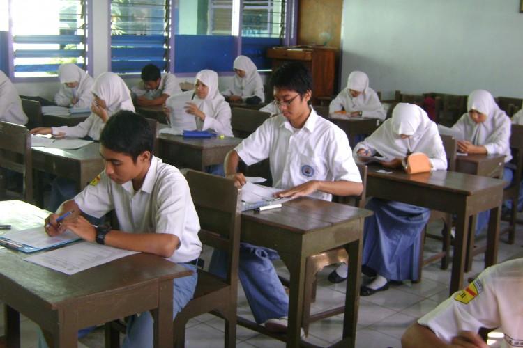 Lampung Tetap Laksanakan Ujian Nasional