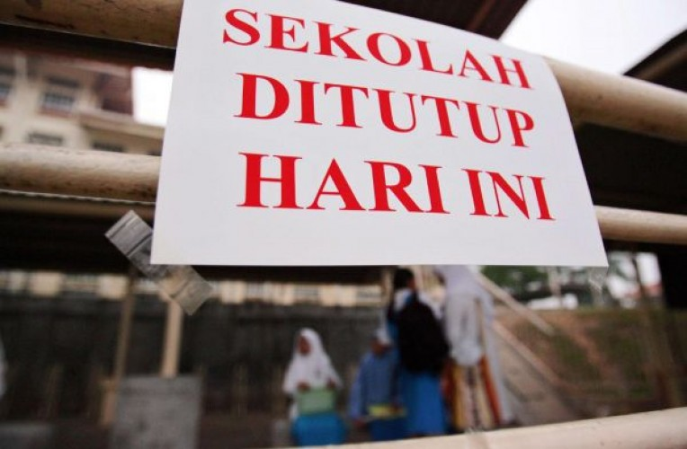 Lampung Timur Zona Merah, Semua Sekolah Ditutup