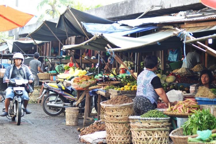 10 Pasar di Lamtim Tetap Beroperasi di Tengah Korona