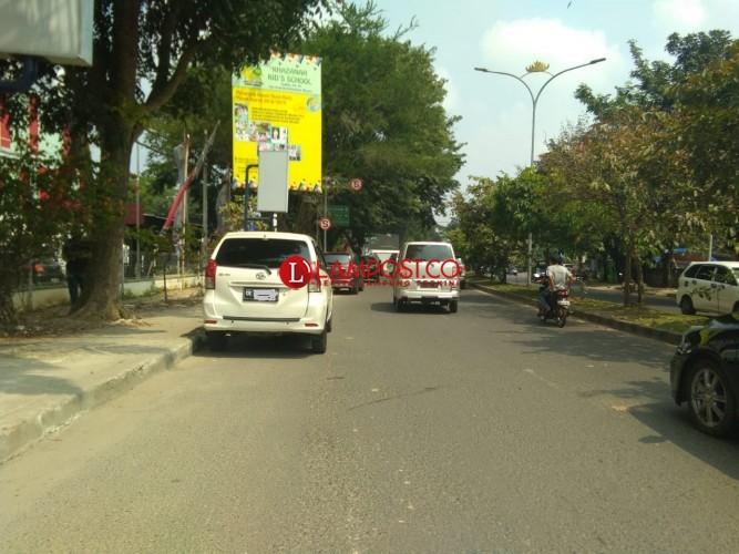 Langgar Rambu, Taksi Online Kucing-kucingan Dengan Petugas
