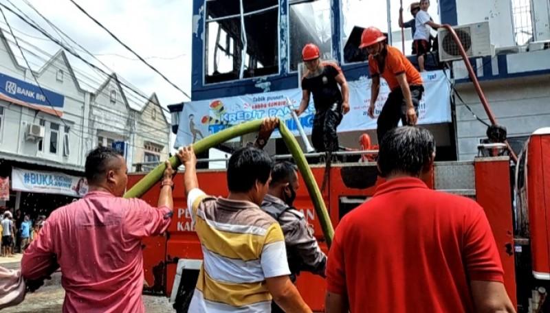 Lantai Dua BPD Lampung di Tanggamus Ludes Terbakar
