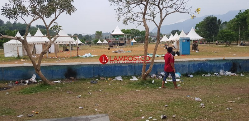 Lapangan Kalpataru Dipenuhi Sampah