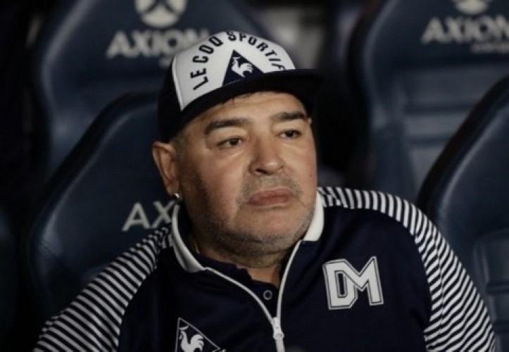 Legenda Sepak Bola Diego Maradona Wafat