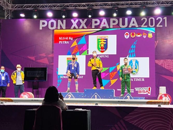 Lifter Lampung Raih Medali Emas PON Papua