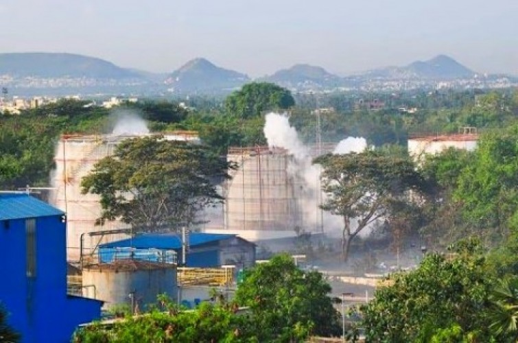 Lima Orang Tewas Akibat Kebocoran Gas Pabrik di India