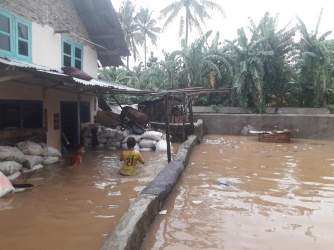 Lima Rumah di Kedamaian Terendam Banjir