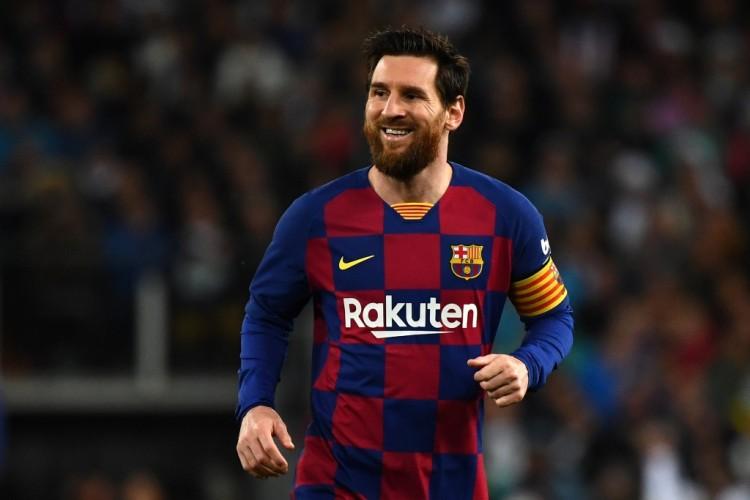Lionel Messi Bertahan di Barcelon