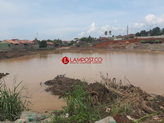 Lokasi Pembangunan Plaza Living Bak Danau