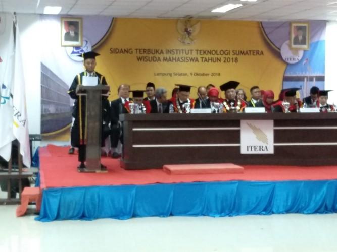 Lulusan Terbaik Itera 2018 Ingin Lanjutkan Pendidikan S2 di Luar Negeri