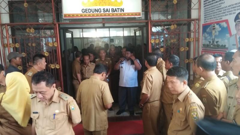 Lurah Datangi Kantor Wali Kota, Yusuf Kohar Bungkam
