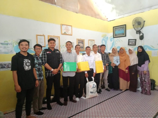 Maba Unila Salurkan Bantuan Lewat ACT Lampung