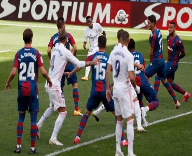 Madrid Bawa Pulang Tiga Poin dari Kandang Levante