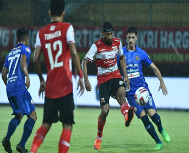 Madura United Tertahan di Kandang oleh Persiraja