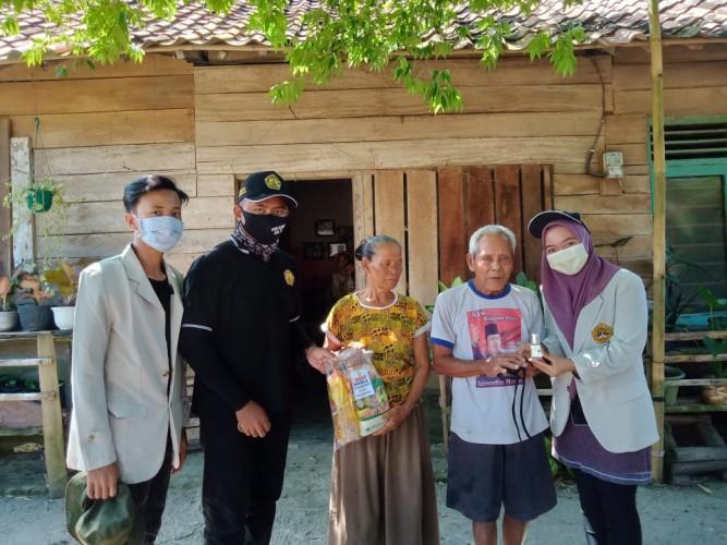 Mahasiswa KKN Universitas Saburai Bantu Warga Terdampak Pandemi