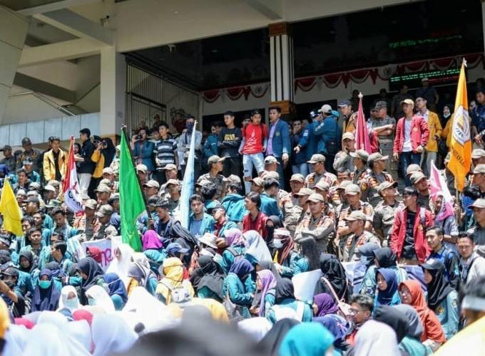 Mahasiswa Se-Lampung Gelar Aksi  Tolak Omnibus Law