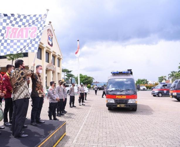 Mahasiswa Teknokrat Gandeng Polda Salurkan Sembako ke Penjuru Lampung