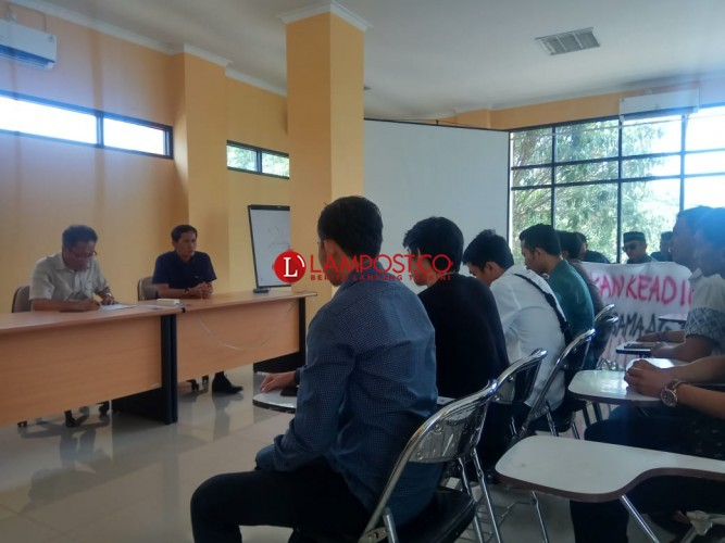 Mahasiswa Tuntut Jabatan Wadek III Unila Dicopot