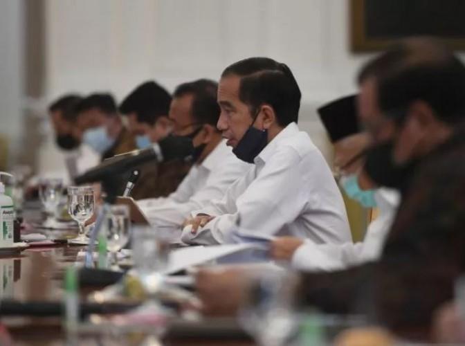 Makna Bahasa Tubuh Jokowi Saat Marah Pada Menteri