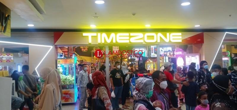 Mal Bandar Lampung Dibanjiri Pengunjung Luar Kota