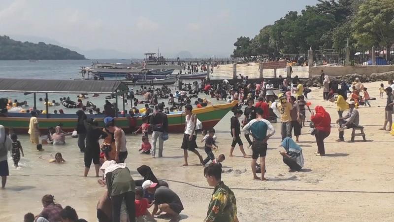 Manajemen Pantai Mutun Bantah Abaikan Protokol Kesehatan Covid-19