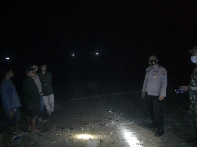 Mandi di Pantai Ketang, Seorang Remaja Hilang Terseret Ombak