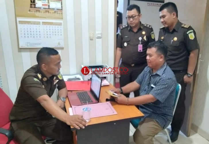 Mantan Kadis PU Lamtim Ditetapkan DPO, Satu Tersangka Korupsi Jalan Ditahan