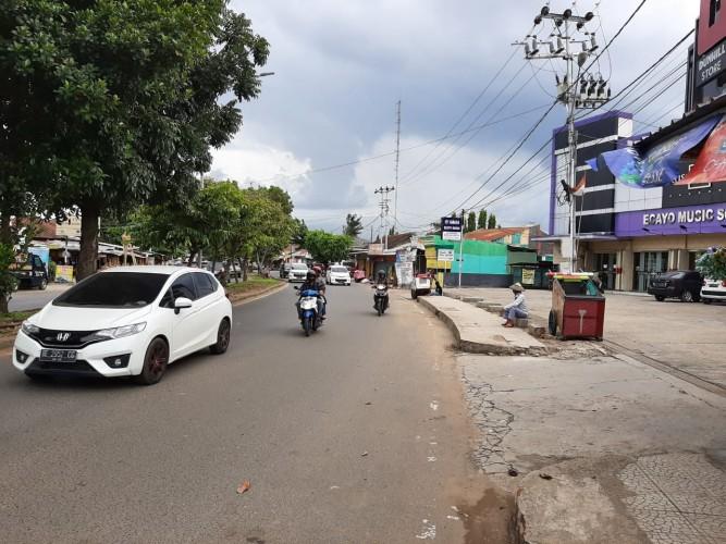 Masih Ada Manusia Gerobak di Jalan Sultan Agung