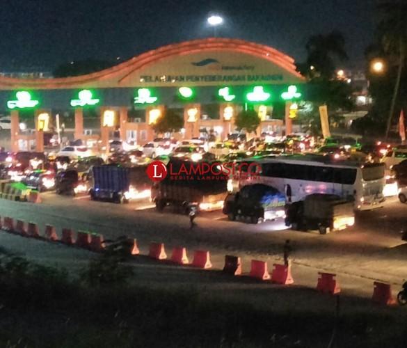 Masih  219.171 Penumpang dan 38.423 Kendaraan yang Belum Kembali ke Jawa