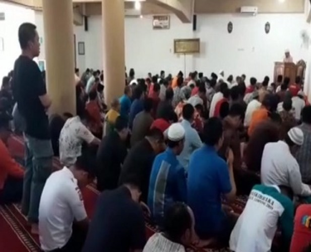 Masjid di Pemkot Ramai Didatangi Jemaah Salat Jumat