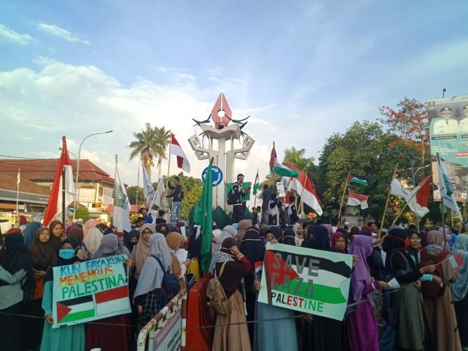 Massa di Metro Tuntut Pembebasan Al Aqsa