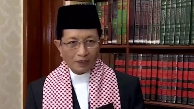 Masyarakat Diminta Jangan Memaksakan Salat Id di Masjid