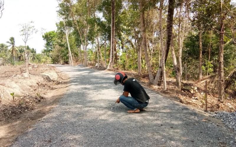 Masyarakat Pertanyakan Kualitas Jalan Desa Margajasa