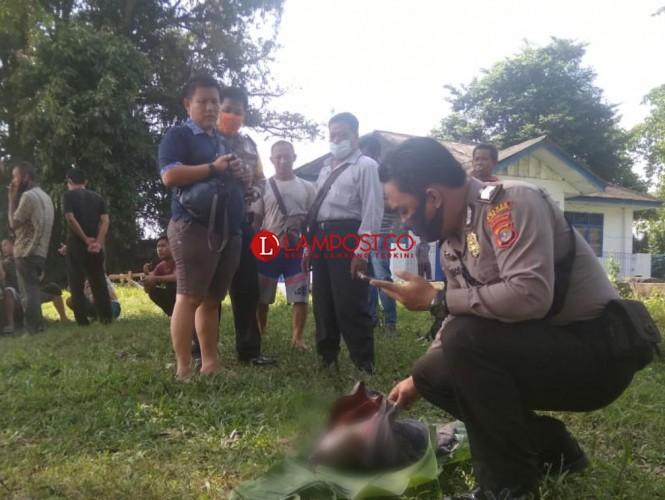 Mayat Bayi Ditemukan di Sungai Tulangbawang Miliki Tanda Pengenal