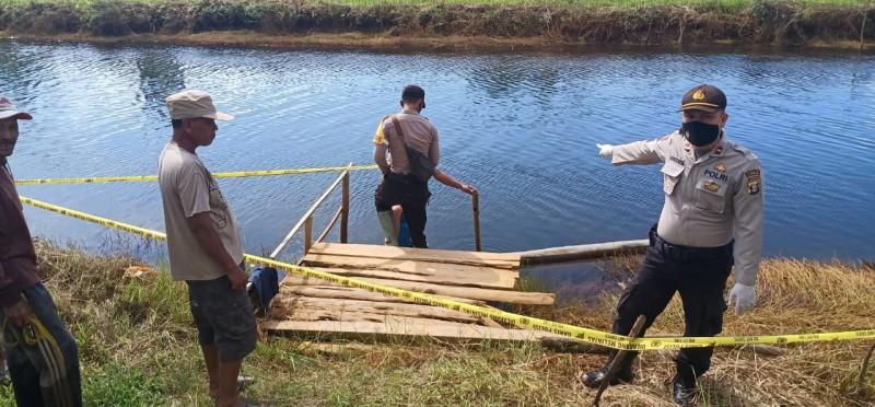Mayat Pria Ditemukan Mengambang di Sungai Kampung Mulyodadi