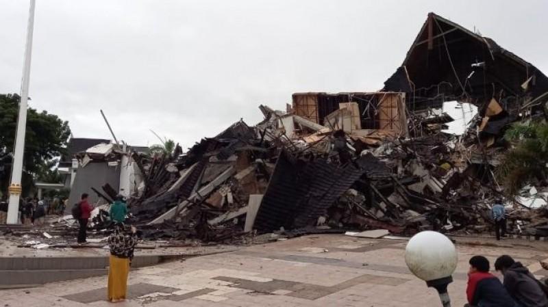 Media Group Kirim Tiga Truk Bantuan untuk Korban Gempa Sulbar