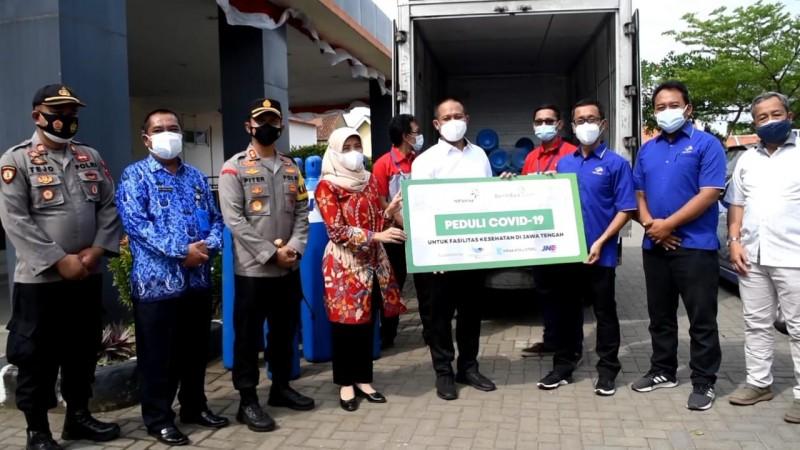 Media Group Salurkan 59 Tabung Oksigen untuk Rumah Sakit di Kebumen dan Purwokerto