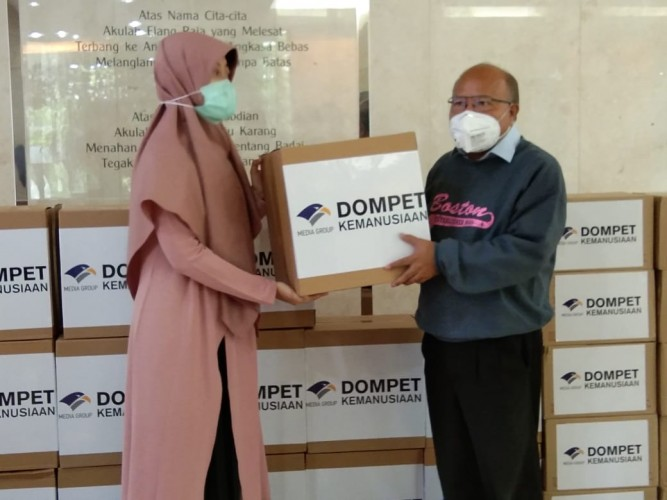 Media Group Serahkan Donasi Ribuan APD Untuk Tenaga Medis