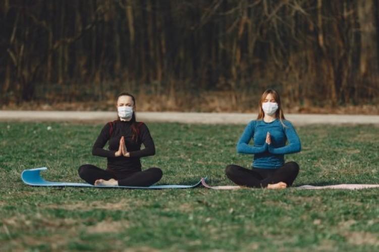 Meditasi Mengurangi Rasa Cemas dari Covid-19