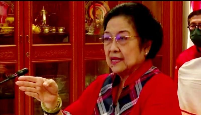Megawati Ajak Kader Beri Perhatian pada Masyarakat Desa