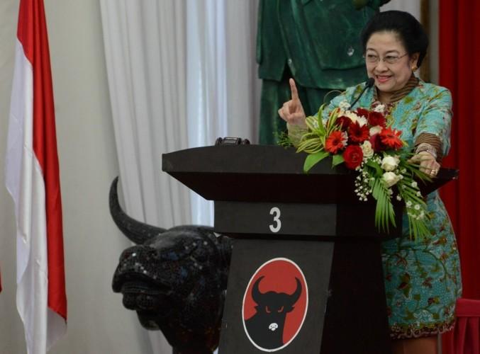 Megawati Menepis Menekan Presiden